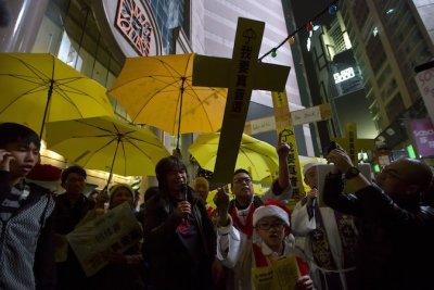 Hồng Kông: 12 người biểu tình bị cảnh sát bắt giữ