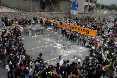 Hơn 200 trăm người bị bắt vào đợt giải tán cuối ở Hồng Kông