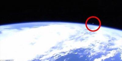 NASA bị cáo buộc cắt đường truyền trực tuyến khi xuất hiện hình ảnh UFO