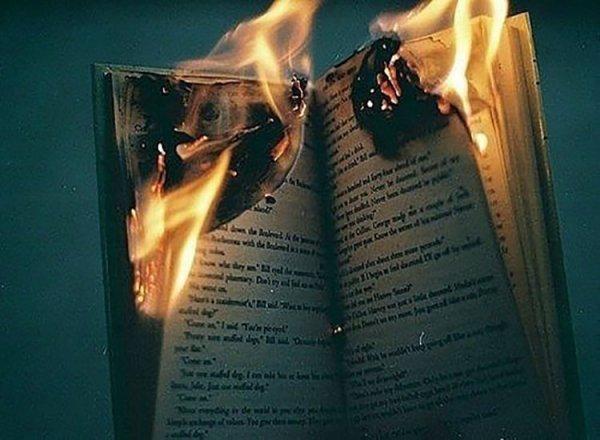 Vật dụng kiêng kỵ không nên dùng lửa đốt bỏ