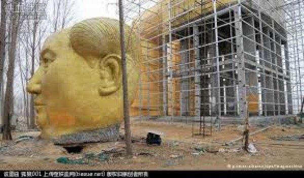 Chuyên gia bình luận: Phải chăng Tập Cận Bình ra lệnh đập bỏ tượng Mao?