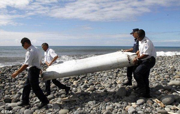 Lại tìm thấy mảnh vỡ nghi của MH370 trên đảo Reunion
