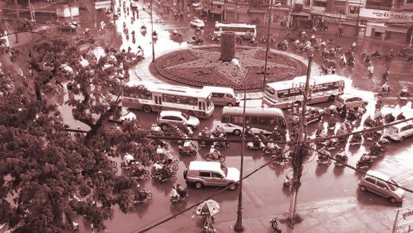 Bí mật hố chôn tập thể gần 2.000 người bên dưới vòng xoay Dân Chủ ở Sài Gòn