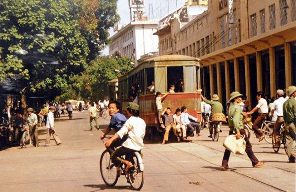 """""""Việt Nam những năm 80"""" qua ống kính nhà báo Pháp"""