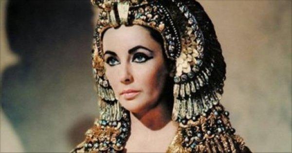 Bí quyết làm đẹp của Nữ hoàng huyền thoại Cleopatra