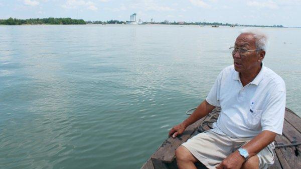 Sông Hậu xanh như nước biển – Hiểm họa tan rã của ĐBSCL