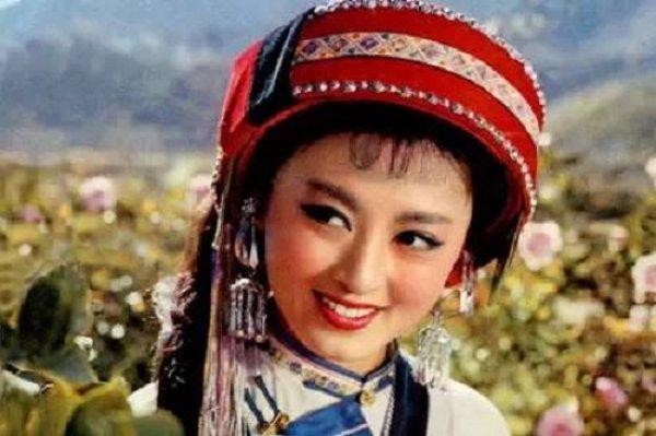 Đệ nhất mỹ nhân điện ảnh Trung Quốc bị bức hại đến điên loạn như thế nào?