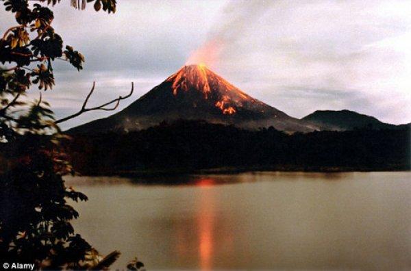 Nếu 1.500 núi lửa phun trào một lúc, Trái Đất sẽ ra sao?