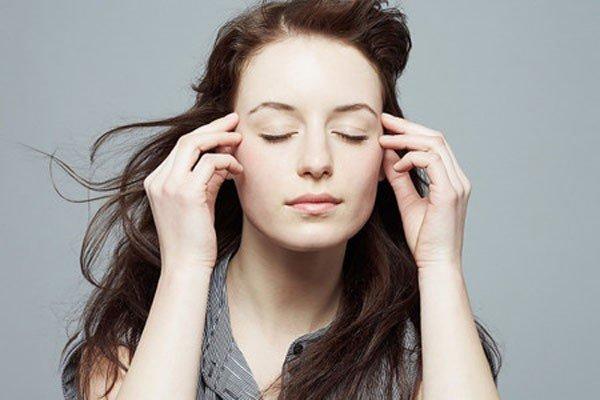 Giải mã tâm linh: Mí mắt nháy liên tục báo hiệu trước điều gì?