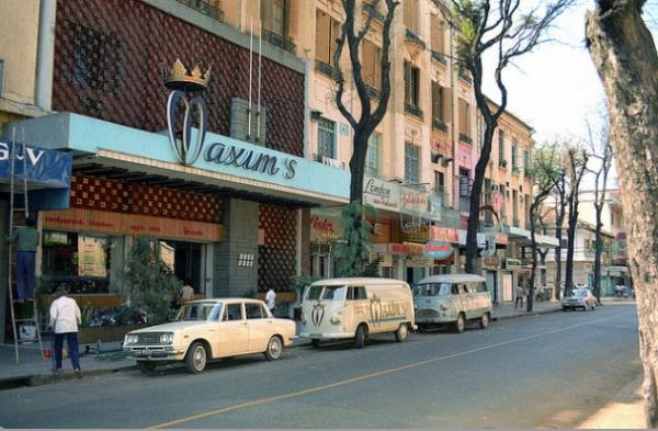 Ngắm Sài Gòn hoa lệ trước năm 1975 qua những thước ảnh màu quý giá