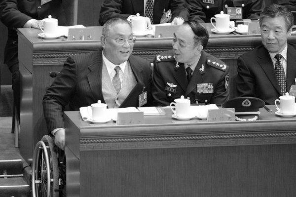 Thuộc phe cánh Giang Trạch Dân, nguyên chính ủy không quân Trung Quốc bị thanh trừng