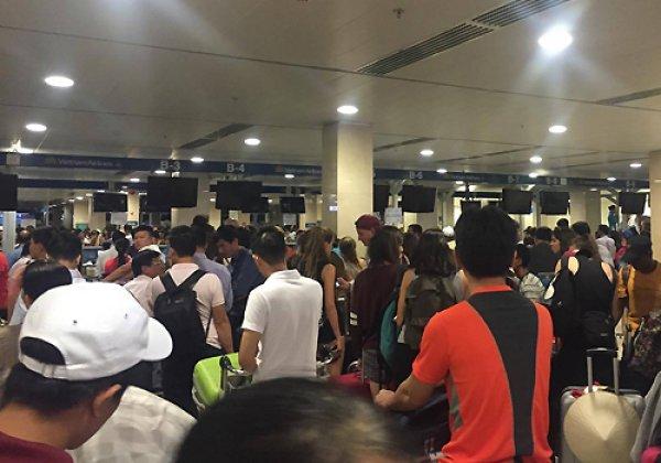 Sân bay Nội Bài và Tân Sơn Nhất ùn tắc vì tin tặc tấn công mạng