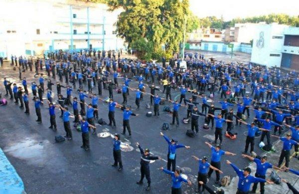 600 cảnh sát Mexico học Pháp Luân Công cảm thấy rất sảng khoái và nhẹ nhàng