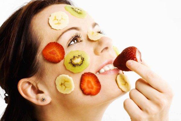 Bất ngờ với 5 cách trị mụn cám ở mũi chỉ bằng trái cây