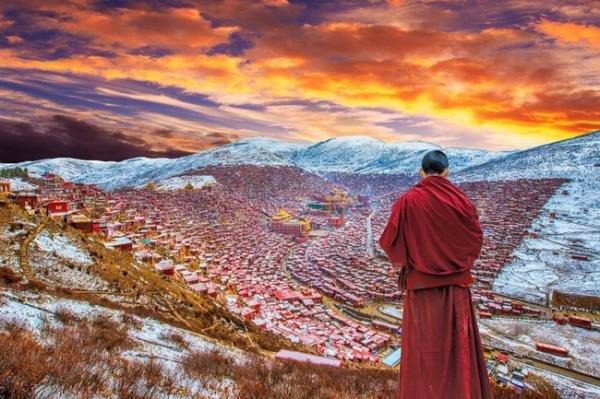 Hình ảnh Học viện Phật giáo Tây Tạng trước khi bị chính quyền Trung Quốc phá dỡ