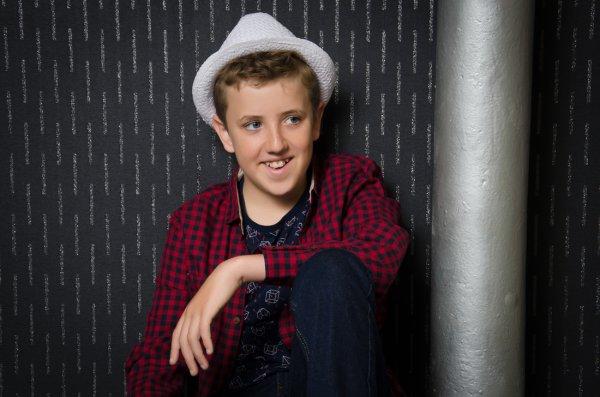 Cậu bé 12 tuổi đi thi Britain's Got Talent để tỏ tình với bạn gái