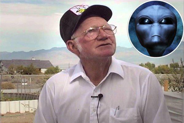 Cựu kỹ sư Khu vực 51 tiết lộ chuyện hợp tác với người ngoài hành tinh
