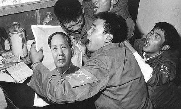 Chuyện hoang đường thời Cách mạng Văn hóa: Hậu quả vì không khóc khi Mao Trạch Đông qua đời