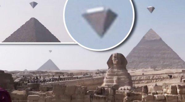 3 UFO xuất hiện rõ ràng trên Kim tự tháp Giza