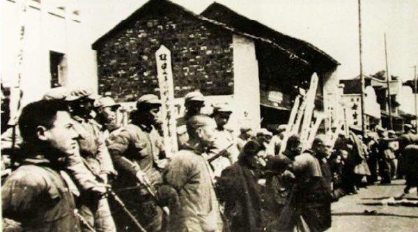 Mao Trạch Đông đã khiến hơn 500.000 trí thức mắc bẫy chết người như thế nào?