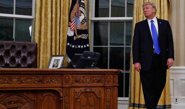 """Ông Trump sau 100 ngày nhậm chức: """"Tôi không nghĩ làm tổng thống khó đến thế"""""""