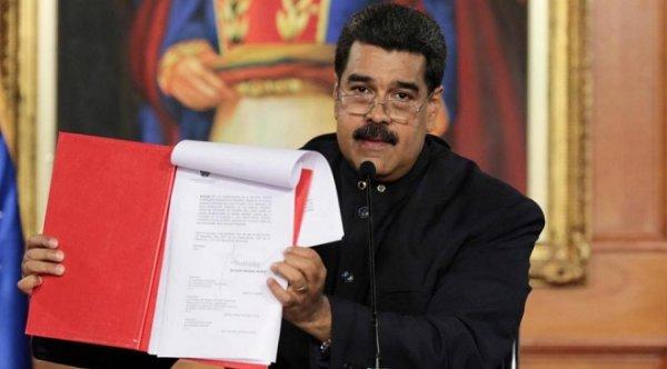 Tổng thống Venezuela ký sắc lệnh soạn thảo Hiến pháp mới