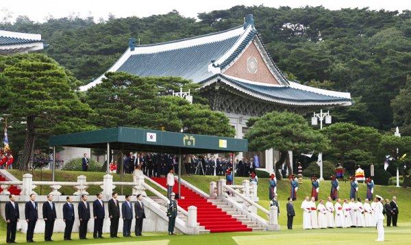 Bí ẩn phong thủy Nhà Xanh khiến các đời Tổng thống Hàn Quốc gặp hạn