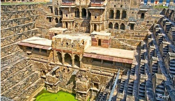 Giếng bậc thang có 1-0-2 ở Ấn Độ: Giải pháp thông minh của người cổ đại