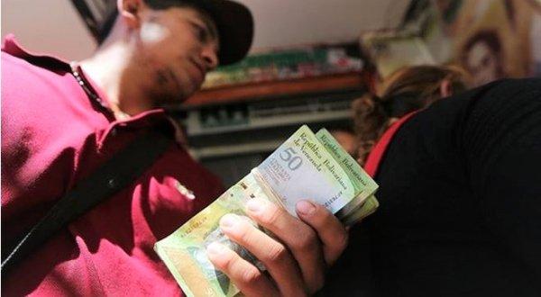 Lạm phát ở Venezuela tăng hơn 4.000%