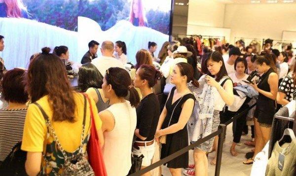 Thương hiệu ngoại đổ bộ, thời trang Việt nguy cơ thua trên sân nhà