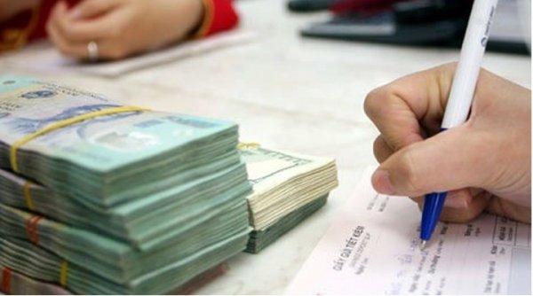Cuối năm, ngân hàng lớn nhỏ đua nhau tăng lãi suất tiền gửi