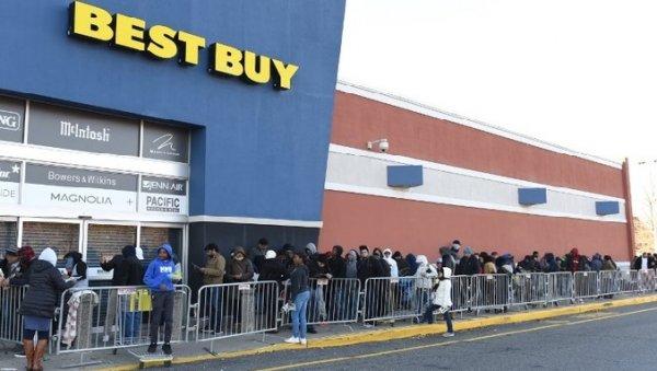 Black Friday: Không khí ngày lễ hội mua sắm lớn nhất nước Mỹ