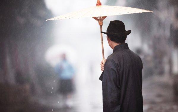 Câu chuyện về chiếc ô của vị phú thương – Muốn thành công phải có tĩnh khí