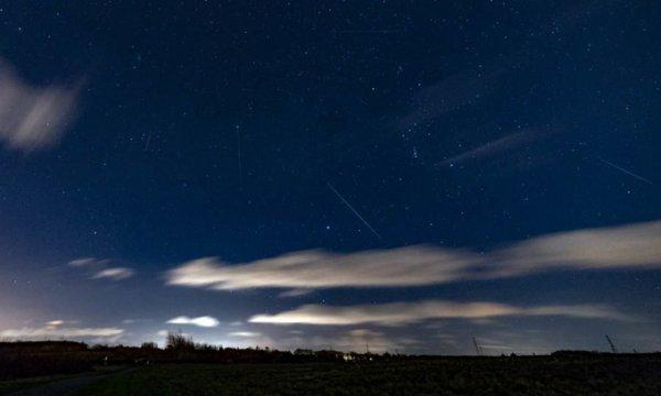 Mưa sao băng Geminid trên bầu trời thế giới