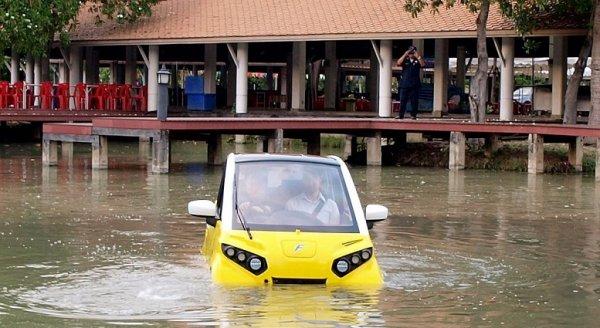 Chứng kiến thảm họa sóng thần tại quê hương, kỹ sư Nhật chế tạo ôtô 'bơi' được khi ngập lụt