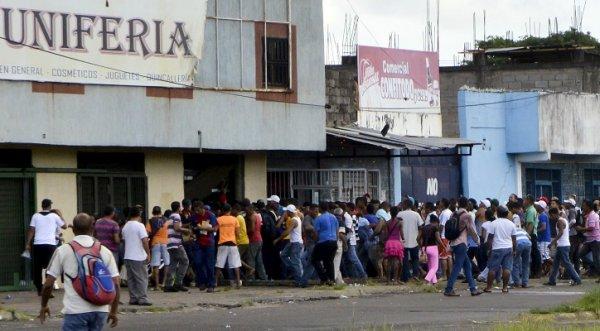 Venezuela: Lạm phát phi mã tiếp tục, nạn cướp lương thực hoành hành