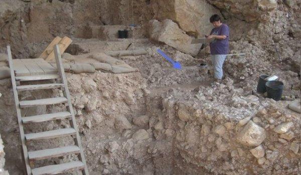 Người tiền sử biết dùng lò sưởi từ 300.000 trước, lịch sử cần được viết lại?