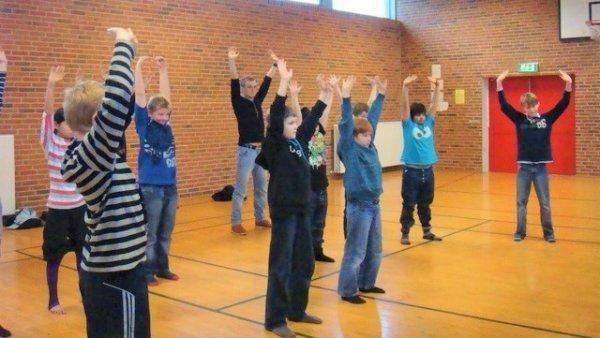 Đan Mạch: Học sinh trung học hào hứng tập luyện Pháp Luân Công