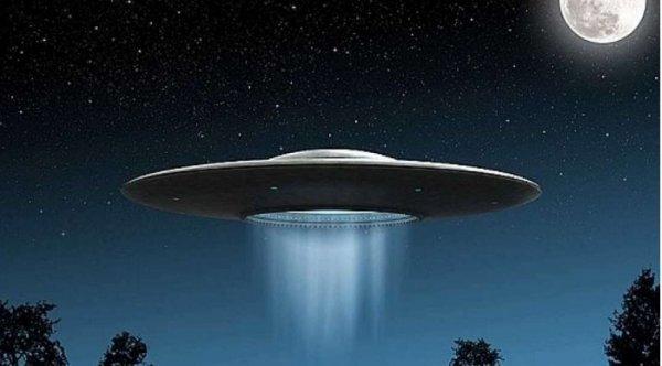 UFO vô cùng bí hiểm là vì họ có thể di chuyển trong không gian khác?