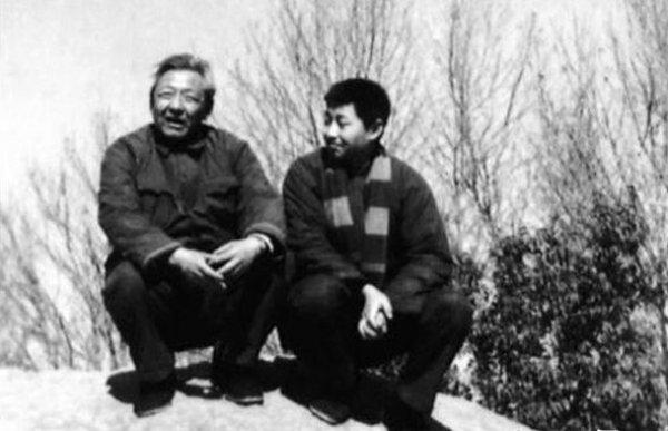 Báo Trung Quốc nhắc lại chuyện nhà ông Tập Cận Bình bị bức hại