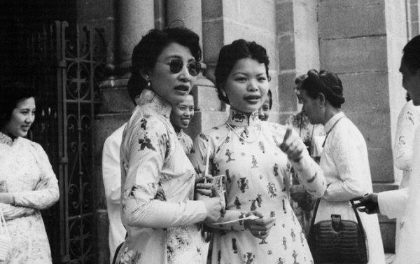 Trang phục xưa của phụ nữ Sài Gòn những năm 1950