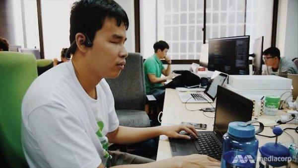 Nguyễn Hoàng Giang – Kỹ sư khiếm thị người Việt duy nhất của Grab làm việc tại Singapore