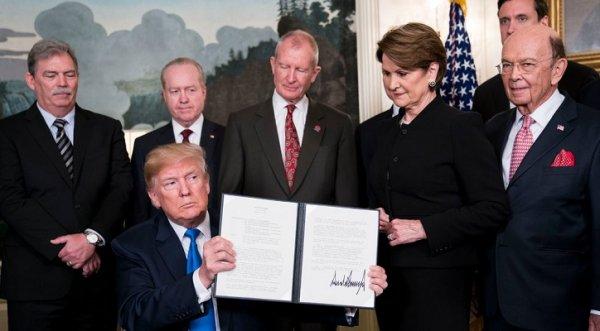 Tổng thống Trump áp thuế trừng phạt 60 tỷ USD nhằm vào Trung Quốc
