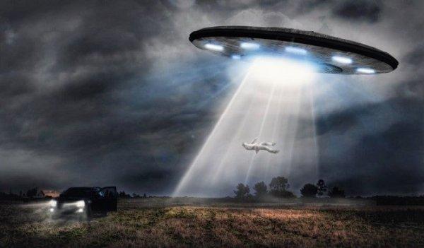 Người ngoài hành tinh cấy ghép thiết bị bí ẩn vào các nạn nhân sau khi bắt cóc?