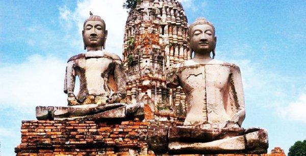 Đánh vỡ tượng Phật sinh bệnh lạ, kịp thời sửa lỗi bệnh tật tiêu