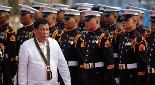 Biển Đông: Philippines dọa chiến tranh nếu Trung Quốc vượt 'lằn ranh đỏ'