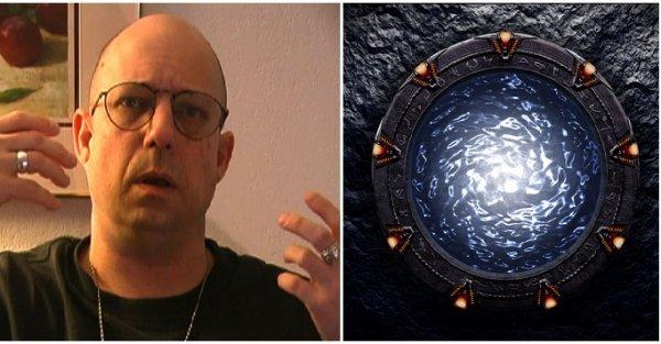 Cựu nhân viên khu vực 51 tiết lộ bí mật về người ngoài hành tinh và cánh cổng thời gian