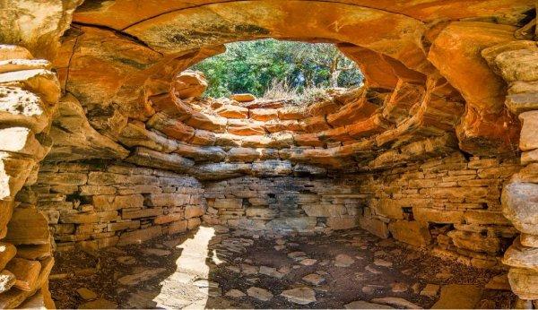 Ẩn đố khảo cổ về những ngôi nhà rồng đồ sộ ở Hy Lạp