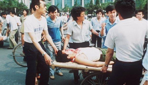 """Trung Quốc lại """"bịt miệng"""" người bất đồng chính kiến trước ngày kỷ niệm thảm sát Thiên An Môn"""
