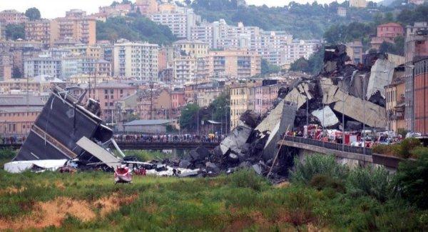 Sập cầu cao tốc ở Italy: Cảnh tượng như tận thế